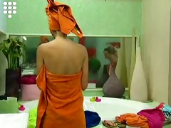 big brother 5 - the ladies showering dressing